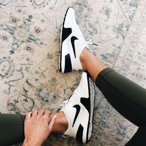 Nike Ashin Modern Women's Running Shoe Size 8